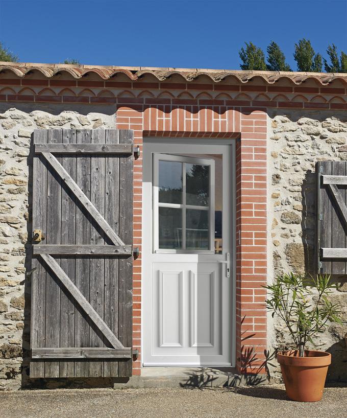 Portes d'entrée PVC HIRONDELLE OB1 4 carreaux | SWAO