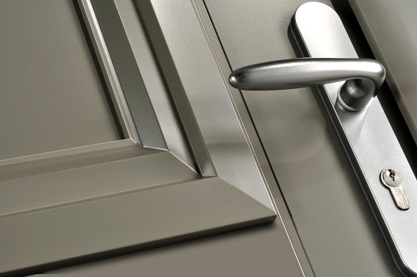 Portes d 39 entr e aluminium merlin swao for Poignee porte d entree exterieure