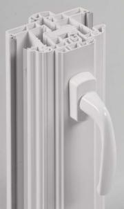 swao-accessoires-pvc-optimo-mouluree-poignee-blanche-coupe-300.jpg